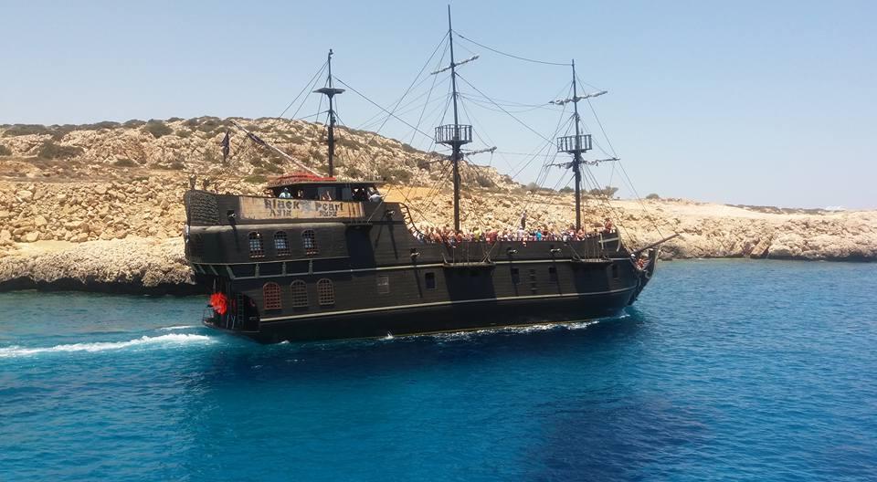 корабель Чорна перлина на Кіпрі