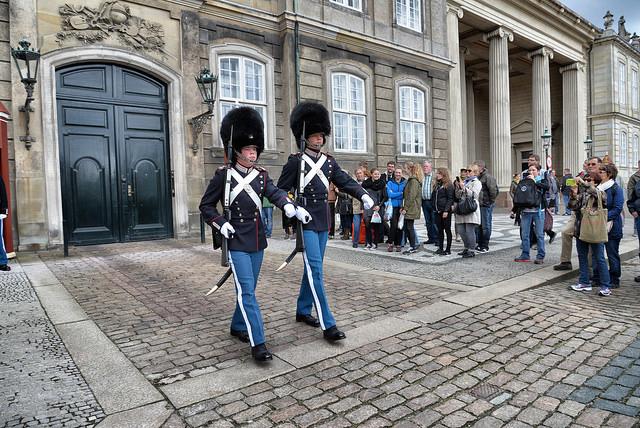 гвардійців, які охороняють монархію Данії