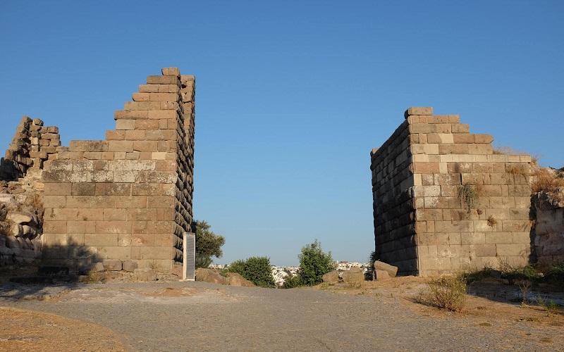ворота Міндоса